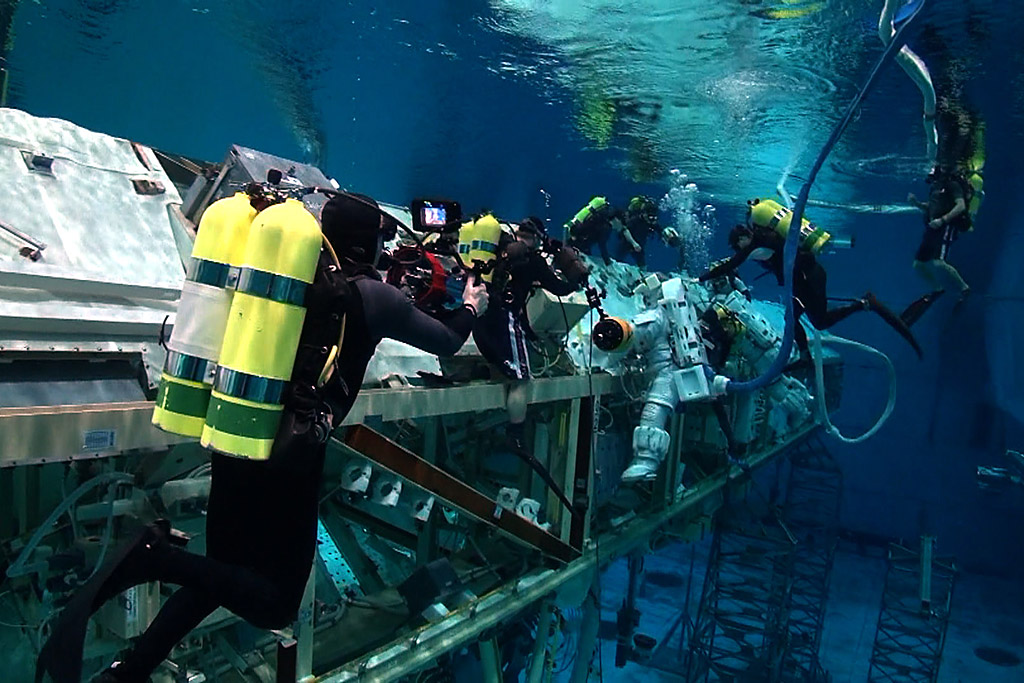 The Blue World Team films at the Neutral Buoyancy Lab at ...